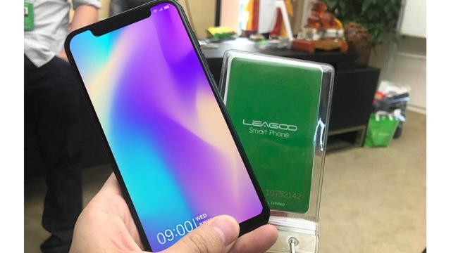 Mirip Iphone X Smartphone Baru Vivo V9 Bocor Lewat Billboard Di