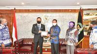 Ketua MPR RI Bambang Soesatyo menerima Ketua Umum Partai Demokrat Agus Harimurti Yudhoyono, di Ruang Kerja Ketua MPR RI, Jakarta, Kamis (6/8/20).