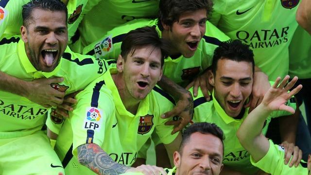 Pemain Barcelona rayakan gelar juara di Vicente Calderon (Youtube.com)