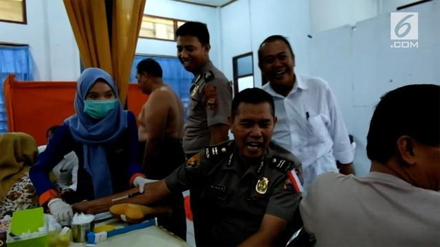 Ratusan, Personil Kepolisian Republik Indonesia, yang bertugas di wilayah hukum, Polres Pare Pare, menjalani pemeriksaan kesehatan.
