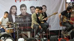 """Album """"Dengerin Abang Spesial Edition"""" tersebut merupakan album keenam yang dirilis oleh Armada. (Liputan6.com/Faizal Fanani)"""
