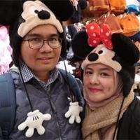 Sejak memutuskan menikah dengan Donny Azwan Putra, pemeran Intan Nuraini mulai jarang terlihat. Ibu dua anak itu sengaja selektif menerima tawaran syuting. Lantas seperti apa kisah cinta pasangan ini. (dok. Pribadi)