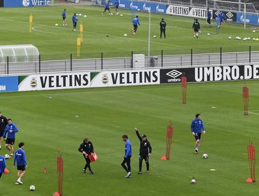 Schalke 04 Gelar Latihan Jelang Bergulirnya Kompetisi Bundesliga