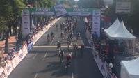 Thomas Lebas akhirnya sukses menjuarai Tour d'Indonesia 2019. (Adyaksa Vidi)