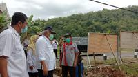Menteri PUPR Basuki Hadimuljono saat  kunjungan kerja ke proyek P3-TGUI di Kabupaten Pacitan, Jawa Timur, Minggu (14/2/2021).