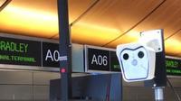 Alat screening suhu tubuh di bandara LAX, California, AS. (dok. screenshot YouTube LAXAirport/https://youtu.be/q1woNTncuyQ/Brigitta)
