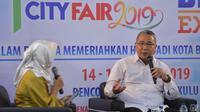 Menteri Desa, Pembangunan Daerah Tertinggal, dan Transmigrasi, Eko Putro Sandjojo berdialog dengan sejumlah pengusaha UMKM Provinsi Bengkulu pada Bengkulu City Fair di Kota Bengkulu.