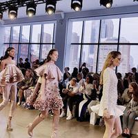 Julianto di Indonesian Diversity SS20 New York Fashion Week (Instagram @julianto.official)