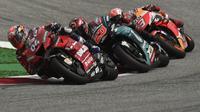Pembalap Ducati, Andrea Dovizioso, mengalahkan Marc Marquez dalam balapan dramatis di MotoGP Austria. (AFP/Vladimir Simicek)