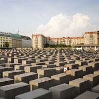 Holocaust Memorial (Sumber Foto: Tripsavvy)