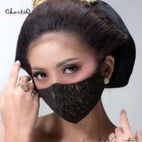 Desainer Astuti Arindra menghadirkan koleksi masker kain bertema nusantara (Foto: ChantiQ)