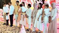 Selvi Ananda saat hadir di pesta ulang tahun Sedah Mirah. (dok. Instagram @reisabrotoasmoro/https://www.instagram.com/p/B0sXlC0AsOY/Putu Elmira)