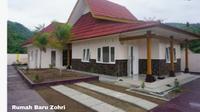 Kementerian Pekerjaan Umum dan Perumahan Rakyat (PUPR) telah menyelesaikan renovasi rumah lama dan pembangunan rumah baru untuk atlet tersebut di Kabupaten Lombok Utara, Provinsi Nusa Tenggara Barat.