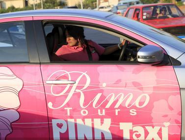 20150908-Pink Taxi, Transportasi Spesial Khusus Wanita di Mesir