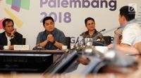 Ketua KOI, Erick Thohir (tengah) saat mengikuti rapat dengan CdM SEA Games 2017 dan Satlak Prima serta Manager Cabor di Jakarta, Senin (3/7). Rapat membahas persiapan pengiriman atlet Sea Games 2017 Kuala Lumpur. (Liputan6.com/Helmi Fithriansyah)