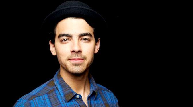 Joe Jonas (E!)