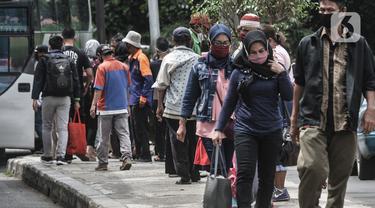Suasana Arus Balik Liburan di Terminal Kampung Rambutan