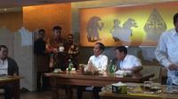 Jokowi-Prabowo makan siang bersama di restoran Sate Khas Senayan, Jakarta, Sabtu (13/7/2019). (Liputan6.com/Lizsa Egeham)