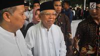 Ketua MUI Ma'ruf Amin tiba untuk memimpin salat jenazah istri presiden ke-6 RI Susilo Bambang Yudhoyono, Ani Yudhoyono di Puri Cikeas, Bogor, Jawa Barat, Minggu (2/6/2019). Jenazah Ani Yudhoyono akan dimakamkan di TMP Kalibata. (Liputan6.com/Immanuel Antonius)