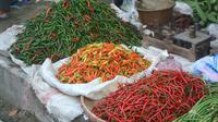Pasokan berkurang, harga berbagai jenis cabai di Banyumas melambung tinggi. (Foto: Liputan6.com/ Muhamad Ridlo)