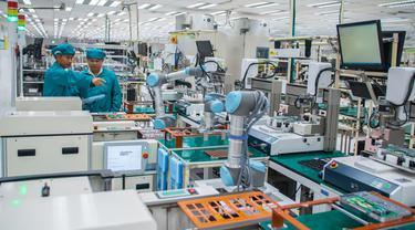 Penggunaan robot di industri manufaktur