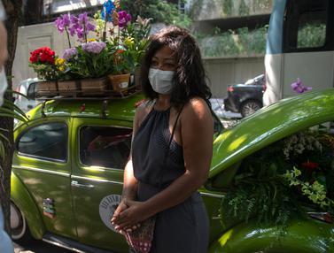 VW Kodok Jadi Tempat Jualan Bunga