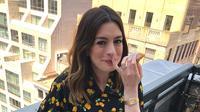 Anne Hathaway juga ternyata seang ngeul di antara waktu syutingnya loh! (instagram/annehathaway)