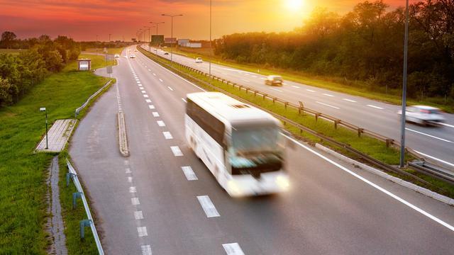 Asyiknya Pesan Tiket Bus dan Travel di Traveloka, Tersedia Beragam