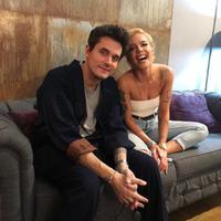John Mayer dan Halsey terlihat saling menggoda di media sosial. (Instagram/iamhalsey)