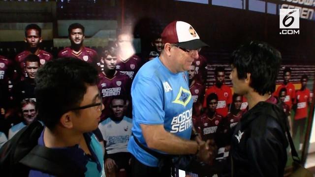 Maraknya kasus pengaturan skor di Indonesia, membuat pelatih PSM, Robert Rene Albert turut berkomentar. Ia mengaku pernah coba disuap seorang mafia pengaturan skor.
