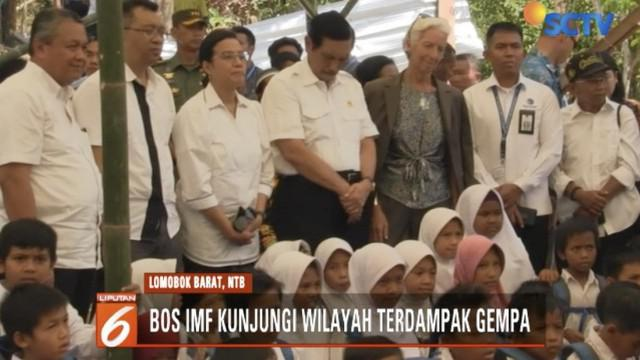 Managing Director IMF Christine Lagarde melihat perkembangan pembangunan hunian sementara para korban gempa di Lombok Barat.