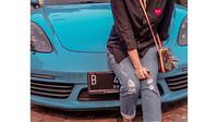 Potret Mobil Sport Mewah Milik Ussy Sulistyawati. (Sumber: Instagram @ussypratama)