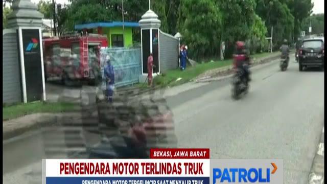 Seorang pengendara motor tewas telindas saat mencoba salip truk di Cikarang Selatan, Kabupaten Bekasi.