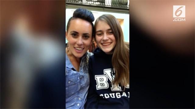 Seorang ibu bertemu dengan anak perempuannya secara tak sengaja di studio tari. Mereka telah terpisah selama 17 tahun.
