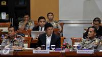 Panja penegakan  Komisi III mengundang Kabereskrim dan empat Kapolda dalam rangka membahas kasus di pusat dan daerah, Jakarta, Selasa (26/7). (Liputan6.com/Johan Tallo)