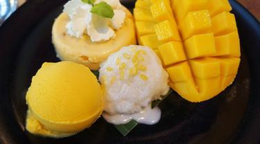 Mango Sticky Rice (https://thailandtourism.co/what-to-eat/mango-sticky-rice.html)