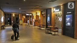Suasana bioskop yang sudah dibuka, di CGV Grand Indonesia di Jakarta, Rabu (21/10/2020). Sejumlah bioskop di Ibu Kota kembali beroperasi hari ini setelah mendapatkan izin dari Pemprov DKI Jakarta dengan jumlah penonton dibatasi maksimal 25 persen dari total kapasitas. (Liputan.com/Herman Zakharia)