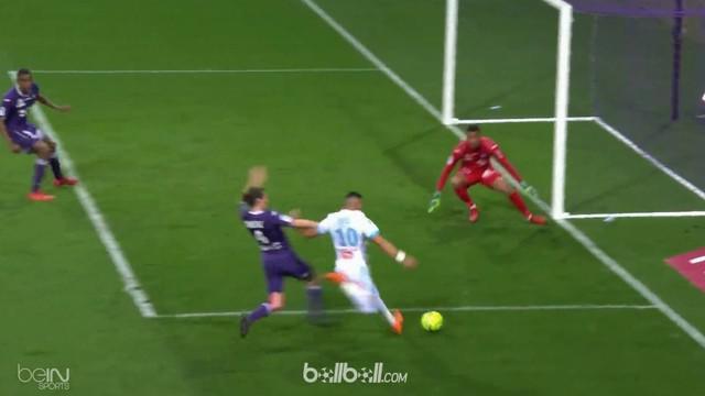 Marseille memetik kemenangan penting 2-1 di kandang Toulouse, Minggu (11/3), untuk menjaga jarak dengan tim peringkat kedua, Monac...