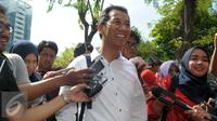 Kepala Badan Pengelola Keuangan Aset Daerah (BPKAD) DKI Jakarta, Heru Budi Hartono selesai menjalani pemeriksaan KPK, Jakarta, Kamis (7/4). Heru diperiksa sebagai saksi terkait kasus suap reklamasi laut DKI Jakarta. (Liputan6.com/Helmi Afandi)