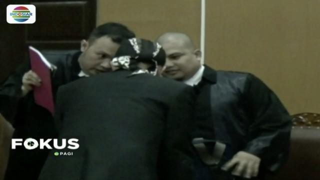 Jaksa tuntut Ahmad Dhani dua tahun penjara atas kasus ujaran kebencian di media sosial.