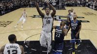 Aksi DeMar DeRozan (10) saat Spurs melawan Timberwolves di lanjutan NBA (AP)