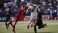 Momen saat Ibrahimovic cetak gol kemenangan untuk La Galaxy (AP Photo/Jae C. Hong)