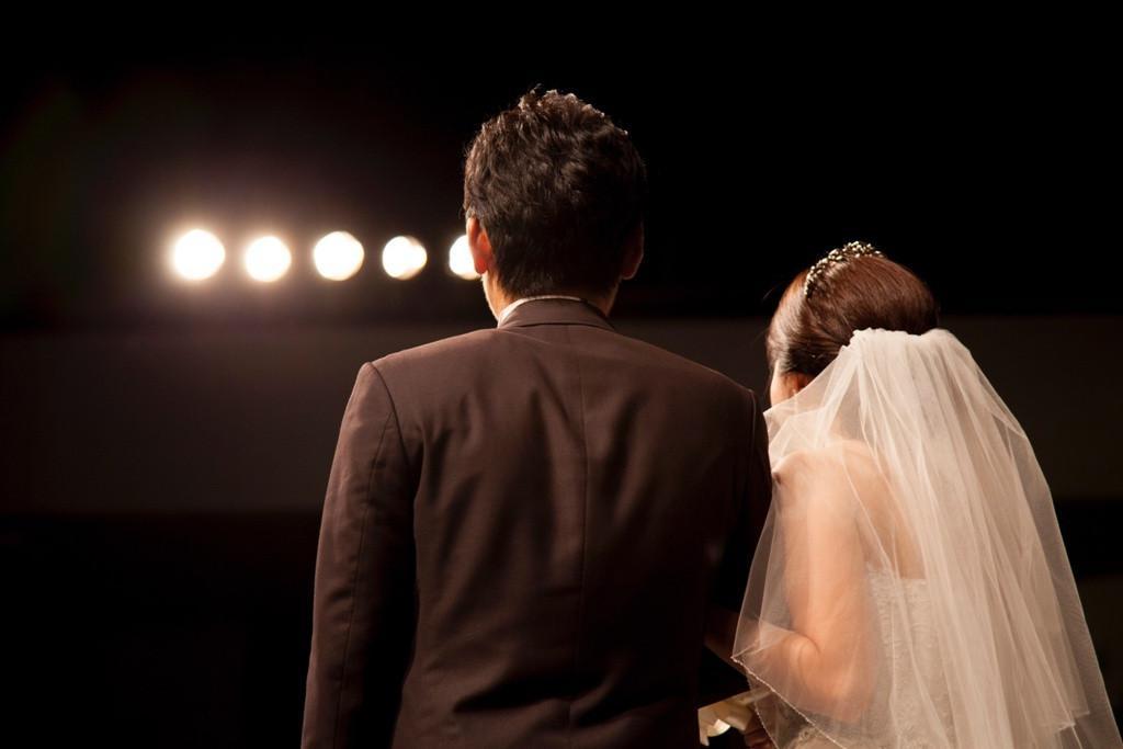 Seiring berjalannya waktu, nasihat demi nasihat akan terus masuk ke dalam hidupmu, termasuk saat menjelang pernikahan. (Foto: unsplash.com)