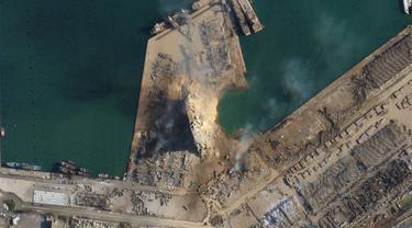 Gambar satelit ini, diperoleh CNN dari Planet Labs Inc., menunjukkan kawah besar di lokasi ledakan hari Selasa di pelabuhan Beirut. Planet Labs, Inc.