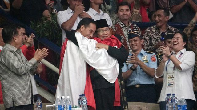 Headline Pelukan Jokowi Prabowo Di Asian Games Bisa Sejukkan