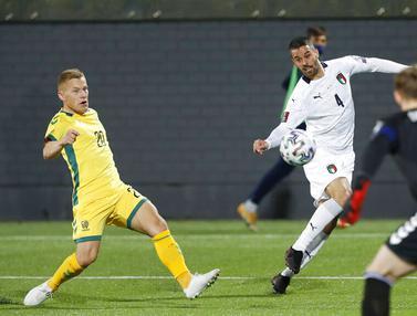 FOTO: Italia Gebuk Lithuania 2-0 di Kualifikasi Piala Dunia 2022