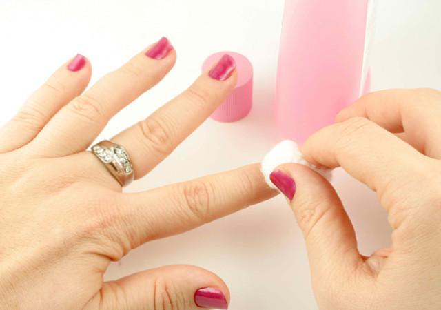 nail polish remover acetoner