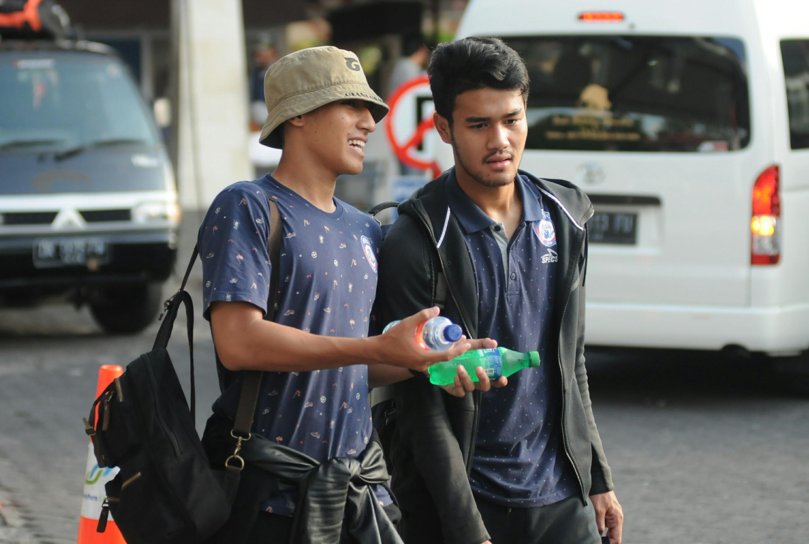 Hanif Sjahbandi dan Muhammad Rafli merupakan dua pemain yang jadi warisan Aji Santoso di Arema FC. (Bola.com/Iwan Setiawan)