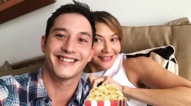 [Bintang] Tamara Bleszynski dan Mike Lewis