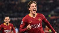 4. Nicolo Zaniolo (AS Roma) – Gelandang Timnas Italia U-21 itu baru saja memecahkan sejarah di Liga Champions. Ia menjadi pemain Italia pertama yang mengemas sepasang gol dalam suatu pertandingan saat AS Roma menang 2-1 atas Porto. (AFP/Andreas Solaro)
